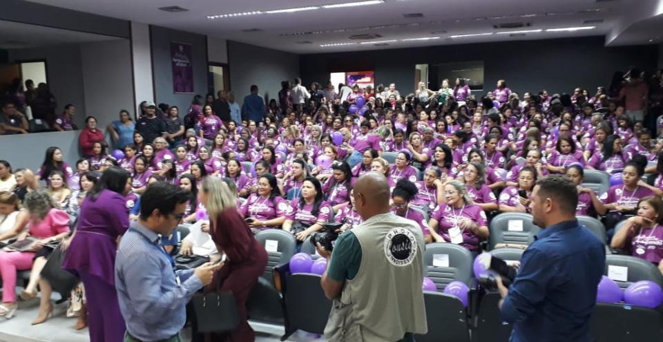 A Casa do Povo se transformou na Casa da Mulher; evento reuniu centenas de mulheres na Assembleia
