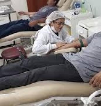 Candidatos do concurso da Defesa Social fazem manifestação pacífica com doação de sangue