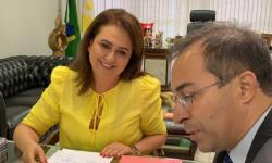 Prefeito Wagner e senadora Kátia Abreu anunciam parceria para construção de pontos de ônibus e mototaxistas