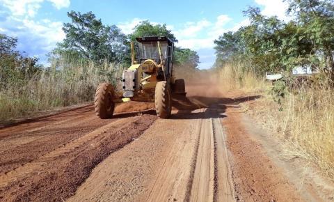 Governador Mauro Carlesse assina Ordem de Serviço para recuperação de estradas vicinais em três municípios