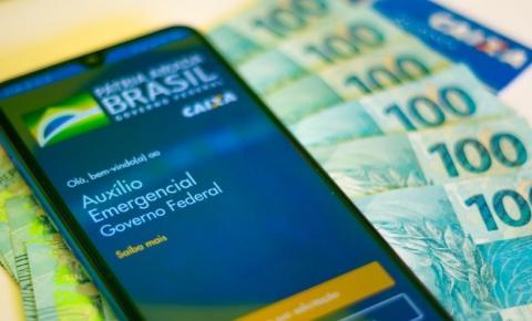 Caixa começa a pagar segunda parcela de R$ 300 a beneficiários do Bolsa Família