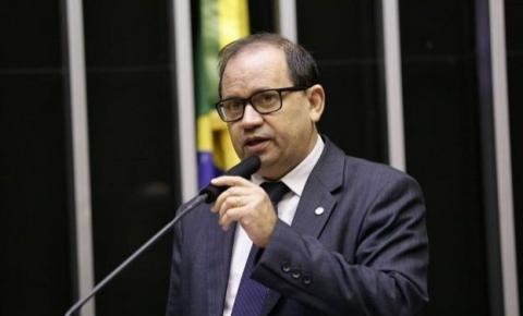Justiça determina investigação no MPE para punir fake news contra Eli Borges