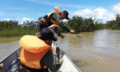 Operação retira mais de 2,5 mil metros de redes do rio Araguaia
