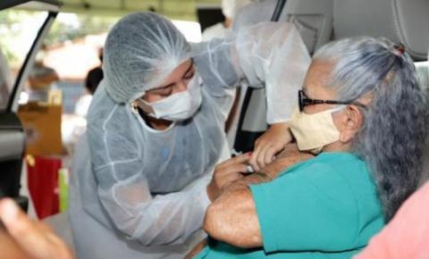 Araguaína fará drive thru para aplicar 2ª dose da vacina contra a Covid em idosos
