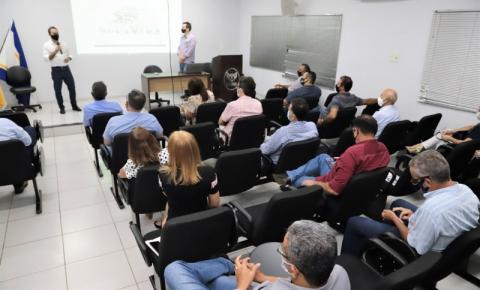 Wagner apresenta projeto de calçadão na Avenida Cônego João Lima a empresários