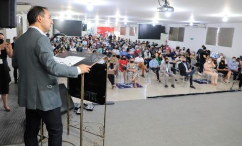 Encontro com ministro da Educação, em Araguaína, reúne mais de 100 municípios do Tocantins
