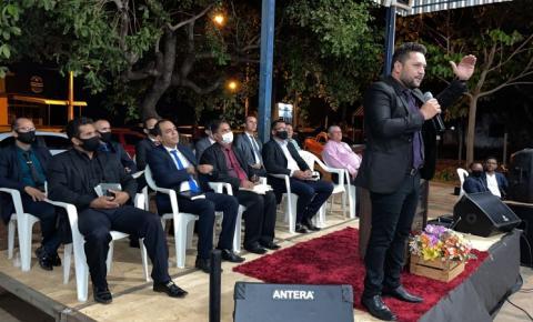 Evangélicos promovem encontro em Luzimangues; evento aconteceu na feira coberta